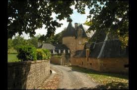 Nous commençons cette nouvelle balade au château de la Chabroulie, à Ayen. Nous sommes en Nouvelle-Aquitaine, dans le département ...