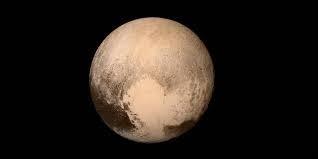 Quelle est la durée de révolution chez Pluton ?