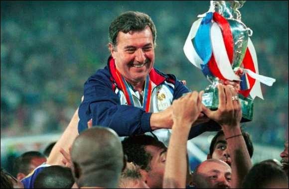 Quel sélectionneur a succédé à Roger Lemerre en équipe de France de football, de 2002 à 2004?