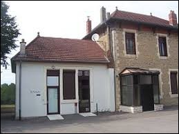 Village Saône-et-Loirien, en Bresse louhannaise, Le Planois se situe en région ...