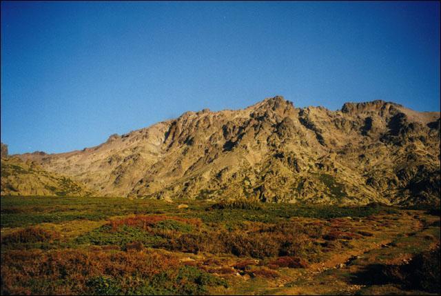 Quel est le plus haut sommet de l'île ?