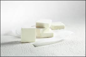 """Quel fromage à tartiner a eu pour slogan """"Le fromage des gastronomes en culottes courtes"""" ?"""