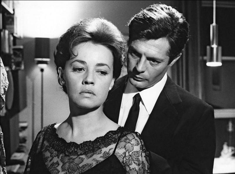 """""""La notte"""" (La nuit) avec Jeanne Moreau est un film réalisé par... ?"""