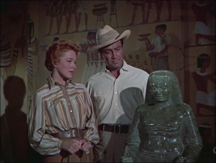 """L'Egypte regorge de trésors, et les marchands véreux sont nombreux à en profiter. Robert Taylor et Eleanor Parker mènent l'enquête dans le film """"La vallée des Rois"""". Où est située la vallée des rois ?"""