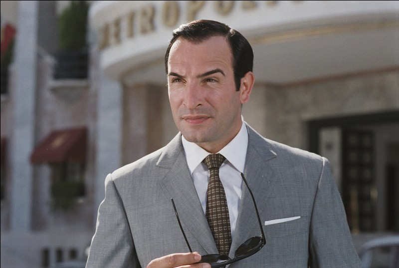 L'espionnage de bon ton de Hubert Bonisseur de la Bath (eh si) prend ses quartiers dans une Egypte des années 50 typique. Qui est Hubert ?