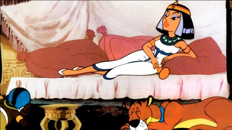 L'Egypte antique sous le pinceau de Uderzo, qui envoie Obélix et Astérix rencontrer Cléopâtre. Vous souvenez-vous du nom de l'architecte venant appeler Panoramix à son secours ?