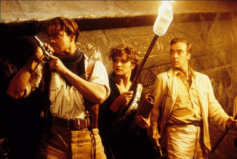 Aventures mystérieuses et terrifiantes autour d'une malédiction... dans les années 20. Quel est ce film qui a connu un joli succès ?