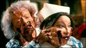 Année : 1993 Genre : Epouvante-HorreurActeurs : Thimothy Balme, Ian WatkinIndices : Mère/Zoo/Singe-Rat/Invasion. Quel est ce film ?