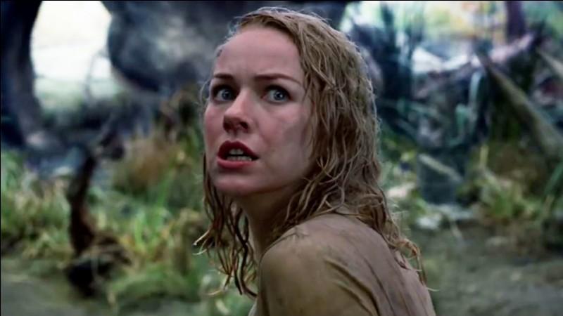 Année : 2005 Genre : Fantastique Acteurs : Naomi Watts, Jack BlackIndices : Music-hall/Réalisateur/Singapour/Légende.Quel est ce film ?