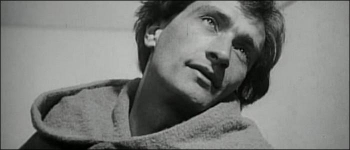 Quel dramaturge avant-gardiste et incompris mourut dans le dénuement et la folie à l'hôpital psychiatrique d'Ivry ?