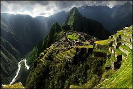 Combien de pays sont frontaliers avec le Pérou ?