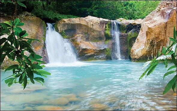 Quel pays est situé à la frontière nord du Costa Rica ?