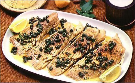 """Traditionnellement, quel poisson la préparation appelée """"beurre noir"""" accompagne-t-elle ?"""
