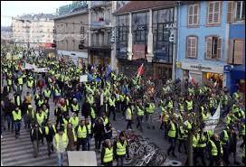 Quel mouvement de révolte a débuté en novembre ?