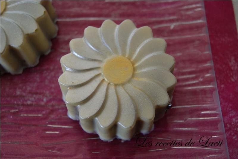 Ce chocolat a l'air délicieux ! Serait-___ une ______ ?