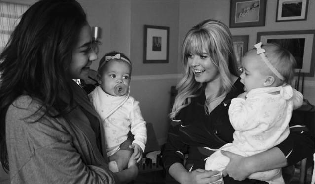 Qui est le père des bébés d'Alison et Emily ?