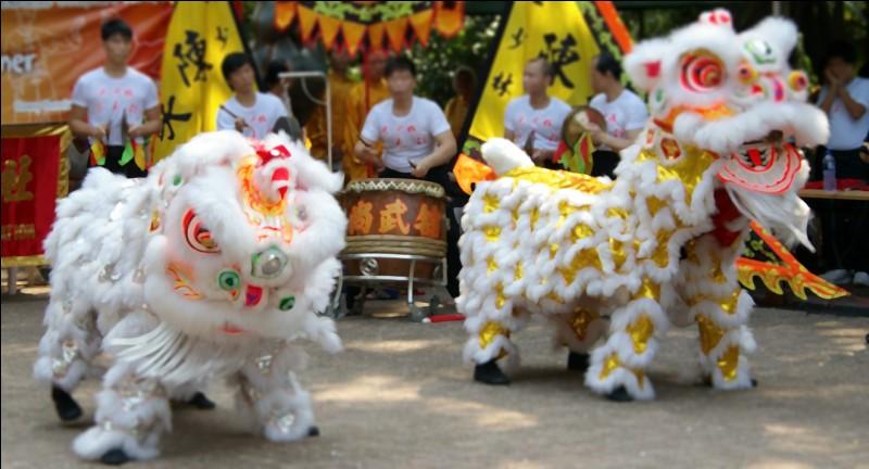 En Chine, la danse du Lion est effectuée pour faire fuir les démons ou honorer les divinités, souvent un jour très important. Lequel ?