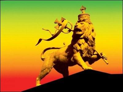Le lion est aussi le symbole de la tribu de Juda, l'une des tribus d'Israël dont descendent les rois de Juda et la lignée de David. Combien y avait-il de tribus d'Israël en tout ?