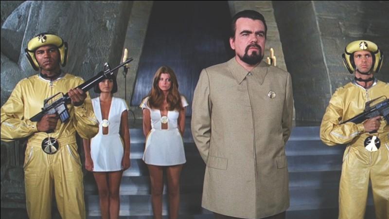 """""""Moonraker"""" est un film joué par Sean Connery."""