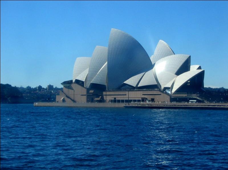 La capitale de l'Australie est...