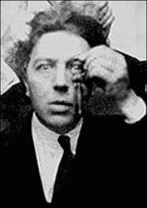 André Breton, lui, immortilise les règles d'un autre mouvement dans son 'Manifeste du ... '.