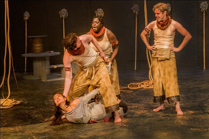 Antigone est la fille de :