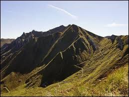 Le Puy de Sancy est le point culminant du Massif Central.