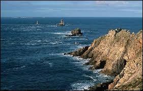 Pour se rendre à la Pointe du Raz, direction les Côtes-d'Armor.