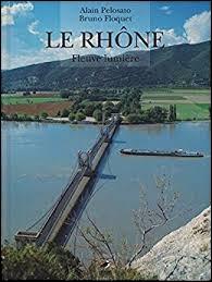 Le Rhône est un fleuve qui naît en France.