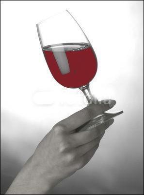 Et qu'est-il coutume de dire en levant son verre ?