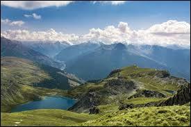 Dans quel département français trouve-t-on le parc naturel régional du Queyras ?