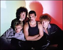 Durant quelle décennie s'est formé le groupe Queen ?