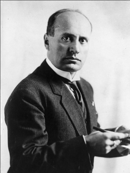 De quelle nation Benito Mussolini fut-il dictateur ?