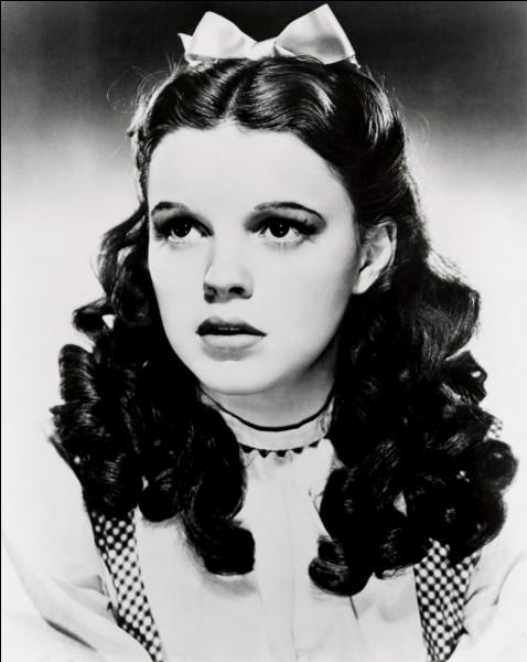 Frances Ethel Gumm, née en 1922, est plus connue sous le nom de ...