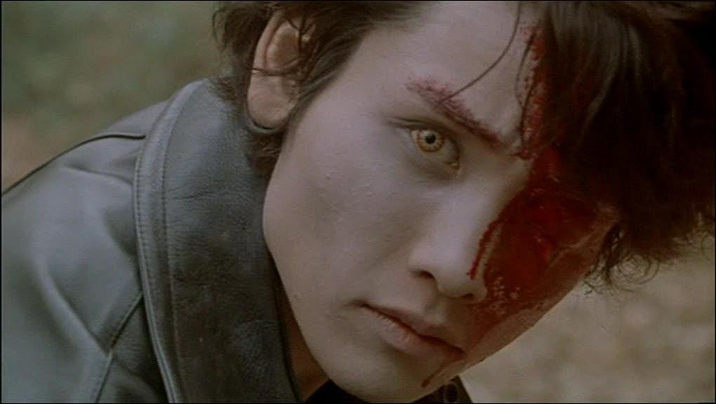 Lequel de ces films japonnais comporte de nombreuses fusillades entre humains & zombies?