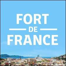 Fort-de-France est la préfecture de la Guyane.