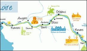 La Loire traverse la France sur un peu moins de 900 kilomètres.
