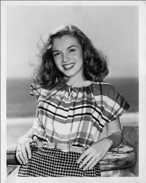 Ne en 1936, elle s'appelle Norma Jeane Baker selon son certificat de baptême ou aussi Jeane Mortenson. Elle est plus que célèbre : sous quel nom la connaissons-nous ?