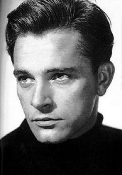Richard Walter Jenkins, né en 1925 au pays de Galles, a pris ensuite le nom de son père adoptif. C'est ...