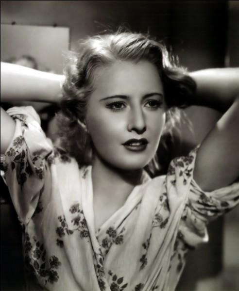 Ruby Catherine Stevens, née en 1907, a commencé sa carrière au cinéma dès la fin du muet et tourné plusieurs films avec Capra; elle tourne, au cours des années 40 et 50, dans les genres les plus variés : mélodrame, western, policier, comédie, film social, et surtout film noir. C'est ...