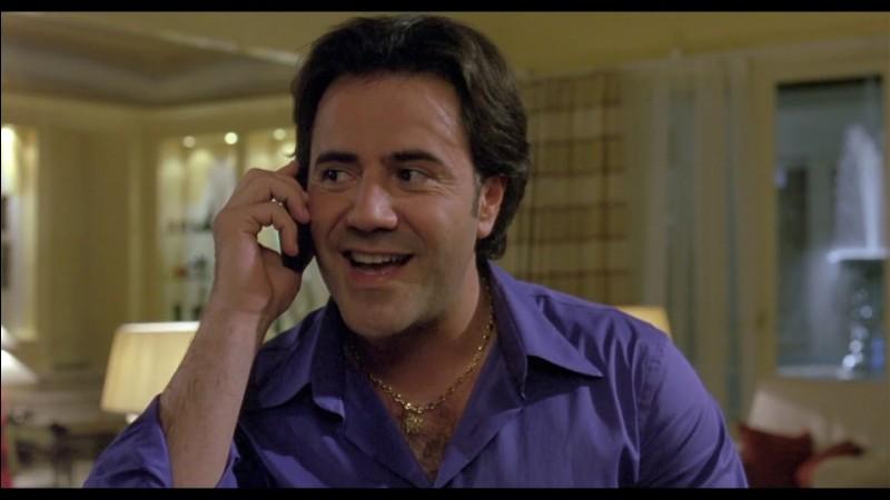 """José Doval, né en 1966, humoriste dans l'émission """"Nulle part ailleurs"""" dans les années 90, passé au cinéma avec la comédie à succès """"La Vérité si je mens !"""" : c'est ..."""
