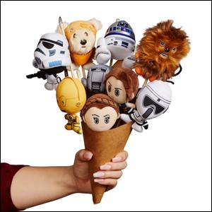 Vous n'aviez (peut-être) pas pensé au bouquet de peluches « Star Wars » ! Il faut avouer aussi que le prix est passé du côté obscur du porte-monnaie. Combien, à votre avis ?
