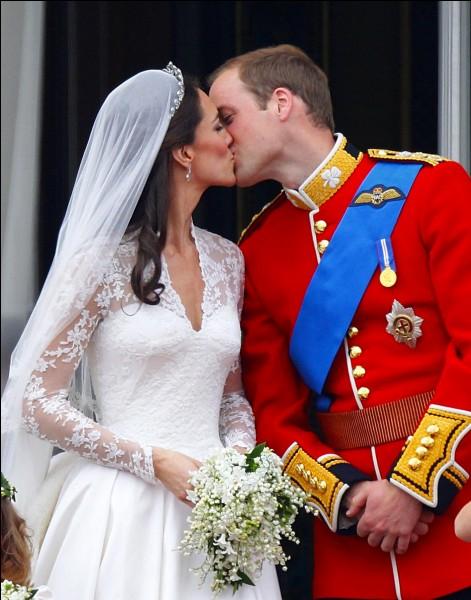 Chiffons (3) > Un bouquet de mariage royal doit toujours contenir ...