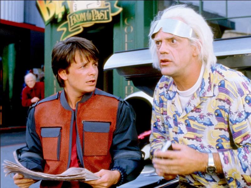 """Dans """"Retour vers le futur"""", Marty McFly est joué par Michael J. Fox mais qui joue Dr Emmett Brown ?"""