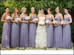 Comment sont appelées celles qui aident la mariée et qui sont habillées à l'identique lors de la cérémonie ?