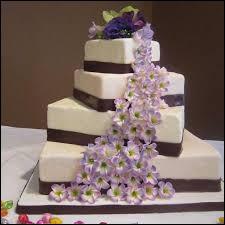 La pièce montée est un classique, mais quel autre gâteau est devenu aussi populaire ?