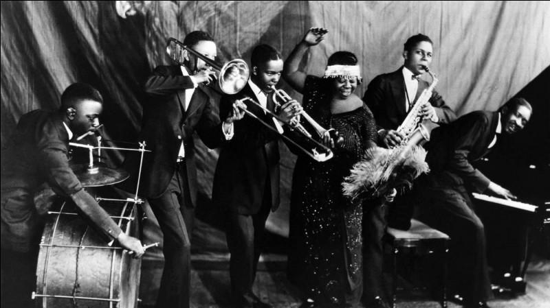 Dans quelle ville des Etats-Unis naît le jazz en cette année 1910 ?