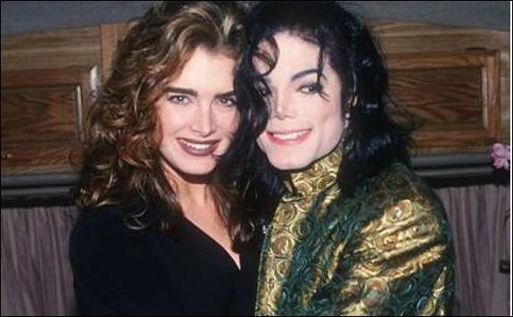 Dans le courant de quelles années Michael Jackson et Brooke Shields se sont-ils mis ensemble ?