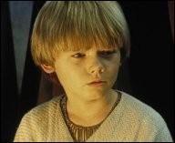 Anakin Skywalker est âgé de 9 ans dans l'épisode 1.