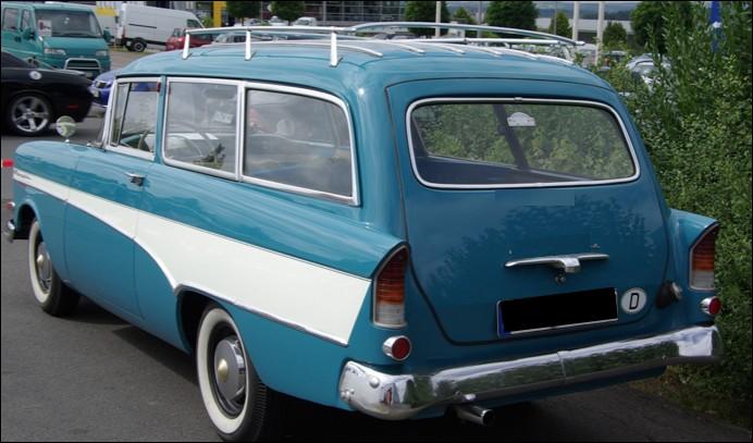 Quel est le nom de ce break Opel ?
